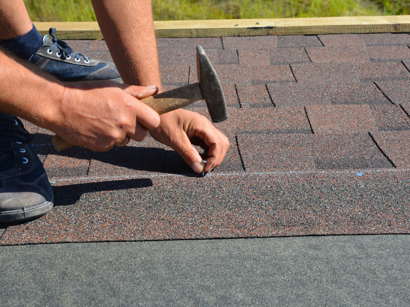 Discover the benefits of asphalt roofing